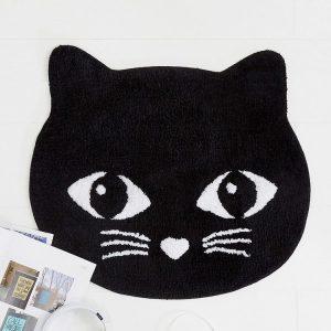Alfombra gato negro
